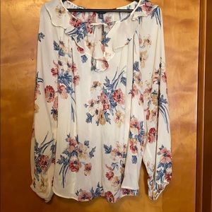 Beautiful, romantic, flowy blouse